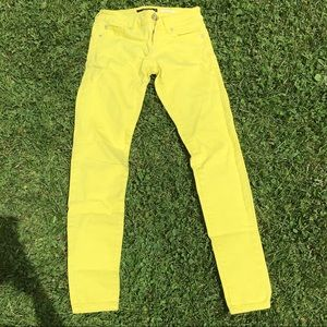 Bright Yellow Skinny Jeans ☀️